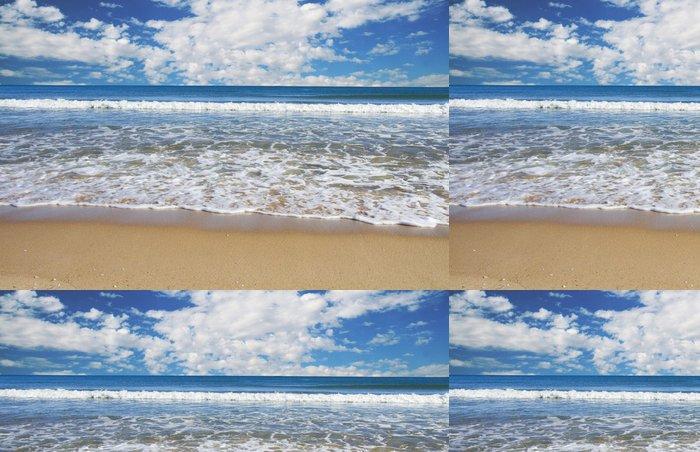 Tapeta Pixerstick Tropické pláže s modrou oblohou - Prázdniny