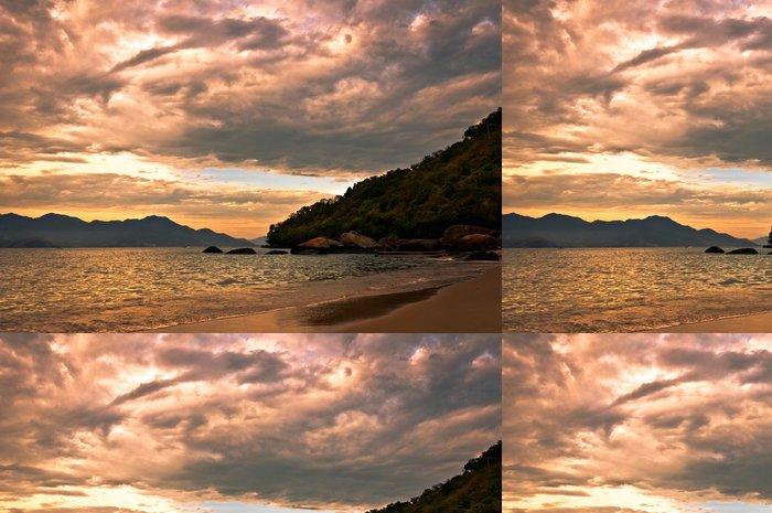 Tapeta Pixerstick Tropické slunce na ostrově Ilha Grande, Rio de Janeiro State - Americká města