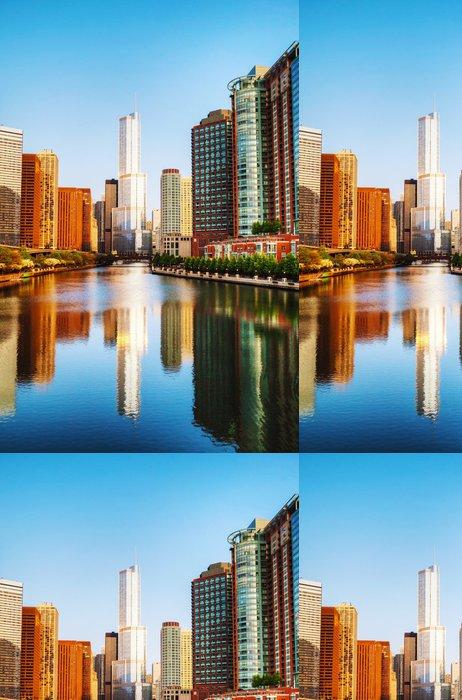 Tapeta Pixerstick Trump International Hotel and Tower v Chicagu, IL v dopoledních hodinách - Amerika