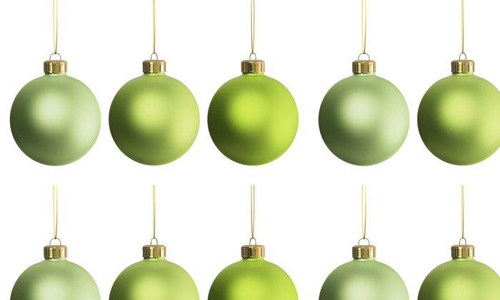 Tapeta Pixerstick Vánoční dekorace tři zelené ozdoby - Mezinárodní svátky