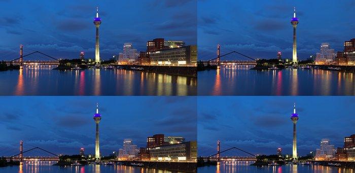 Vinylová Tapeta Večer panorama Media Harbor v Düsseldorfu - Evropa
