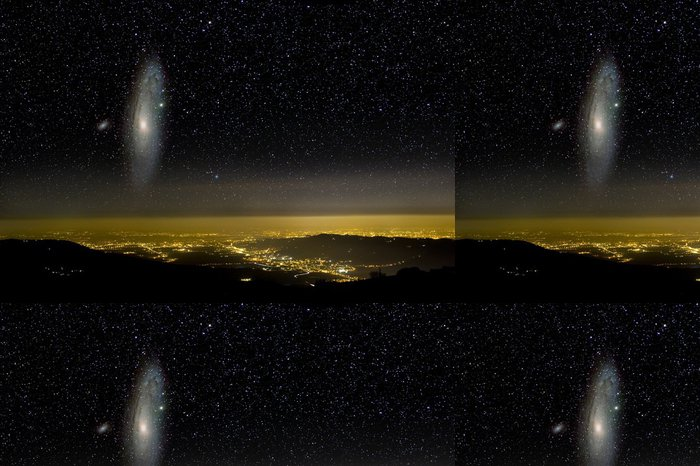 Vinylová Tapeta Vesmír nad město světel. Galaxie v Andromedě. - Přírodní krásy
