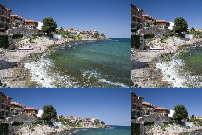 Tapeta Pixerstick Vesnice na pobřeží Černého moře - Evropa