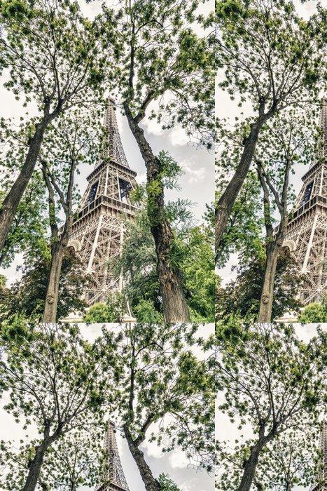Tapeta Pixerstick Věž mezi stromy - Evropská města