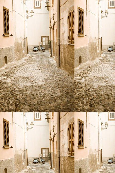 Tapeta Pixerstick Vintage skútr scéna ve starém městě, Itálie - Evropská města