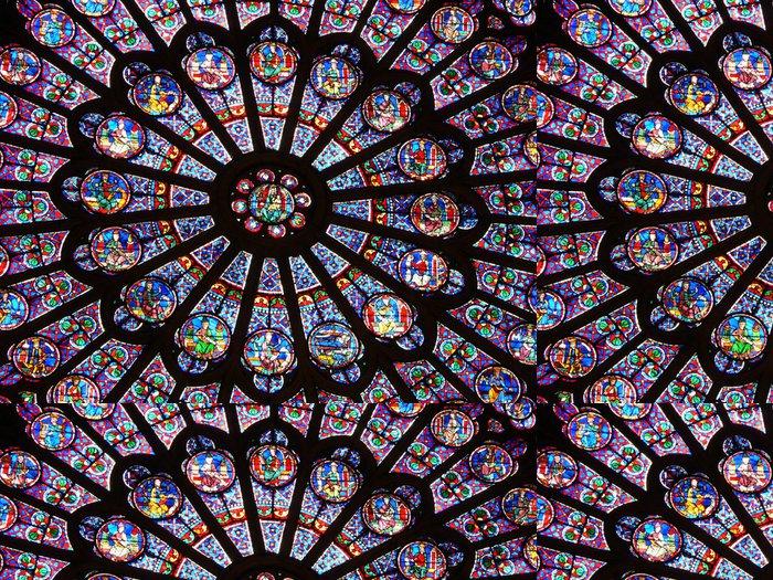 Tapeta Pixerstick Vitráž v katedrále Notre-Dame v Paříži - Evropa