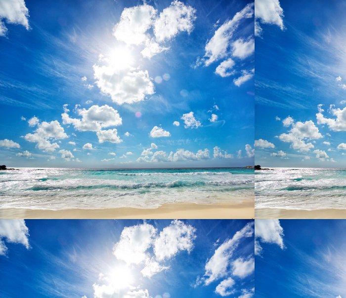 Vinylová Tapeta Vlny na Grande Anse pláži v La Digue, Seyshelles - Ostrovy