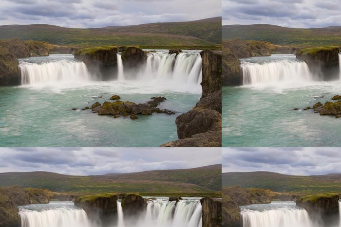 Tapeta Pixerstick Vodopád Godafoss - Evropa