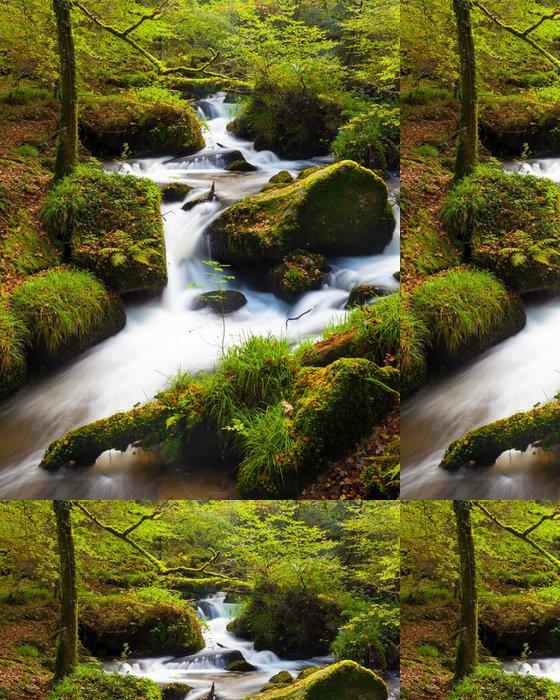 Tapeta Pixerstick Vodopád v lese - Témata