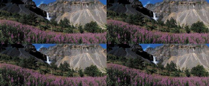 Tapeta Pixerstick Vodopád v Mt. Baekdu - Roční období