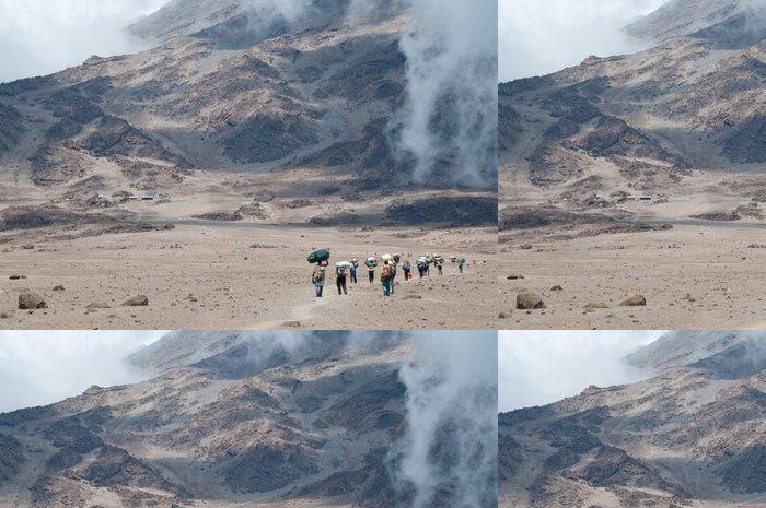 Vinylová Tapeta Vrátní na Kilimandžáro - Afrika