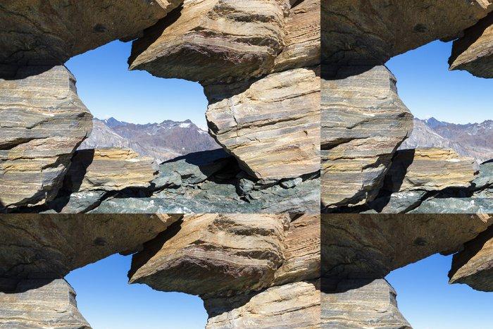 Tapeta Pixerstick Window mezi kameny v horských - Přírodní krásy