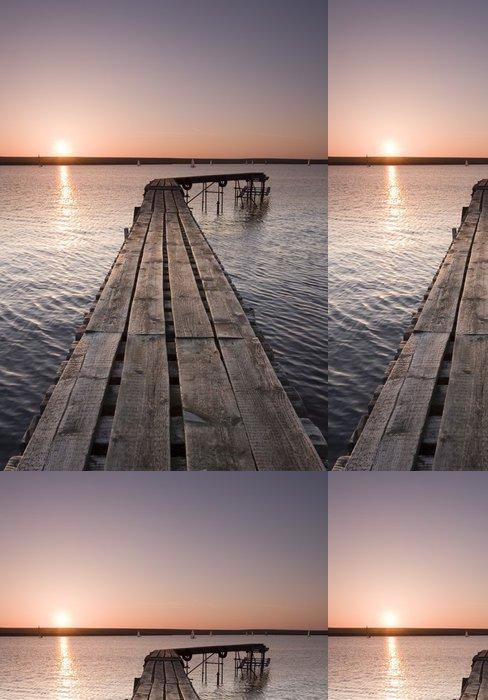 Tapeta Pixerstick Yorkšírský molo při západu slunce - Voda