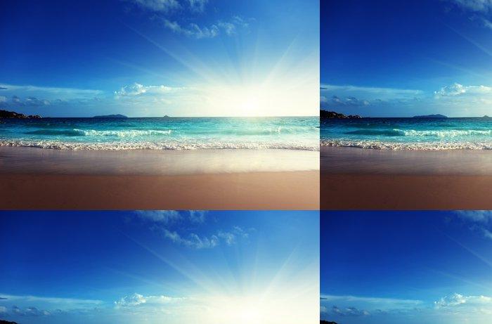 Tapeta Pixerstick Západ slunce na pláži Seychely - Témata