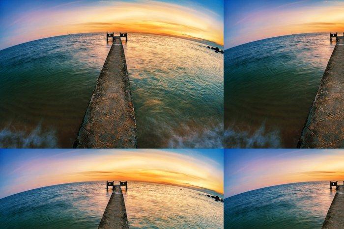 Tapeta Pixerstick Západ slunce nad mořem - Nebe