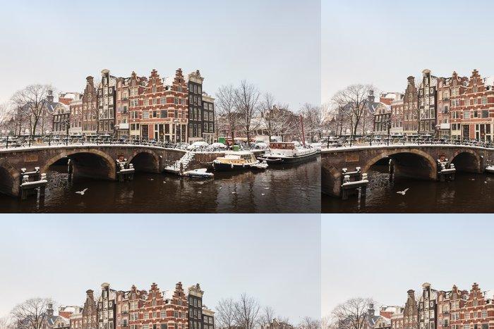 Vinylová Tapeta Zimní pohled na centra v Amsterdamu - Roční období