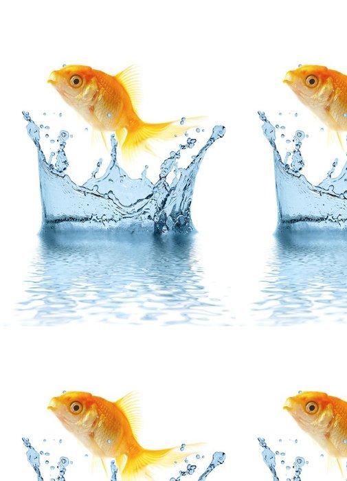 Tapeta Pixerstick Zlato malé ryby vyskočí z vody - Vodní a mořský život