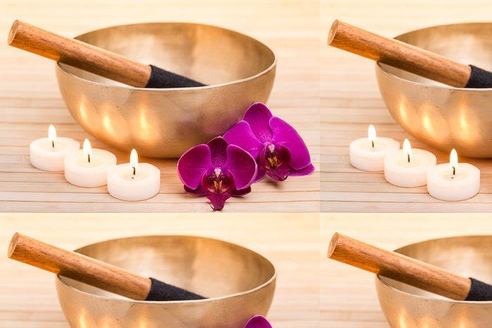 Tapeta Pixerstick Zpívající mísy s hořícími svíčkami a květy orchidejí - Zdraví a medicína