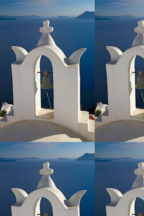 Tapeta Pixerstick Zvonice malého kostela v Oia, Santorini, Řecko. - Evropa
