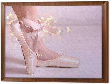 Tavla i Ram Ballerina i pointe skor i dance hall