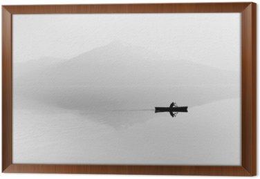 Tavla i Ram Dimma över sjön. Siluett av bergen i bakgrunden. Mannen flyter i en båt med en paddel. Svartvitt