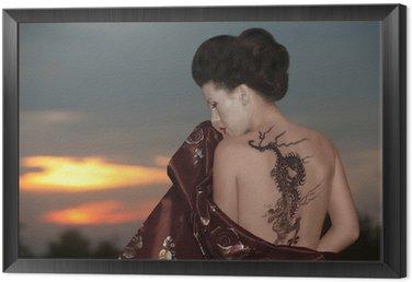 Tavla i Ram Geisha med dragon tattoo