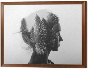 Tavla i Ram Kreativa dubbel exponering med porträtt av ung flicka och blommor, svartvitt