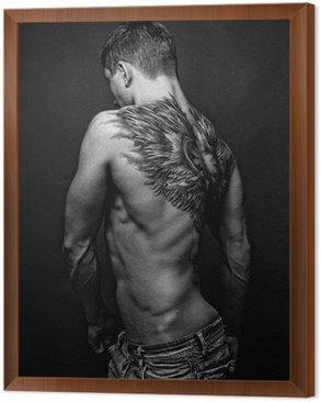 Tavla i Ram Moael med angel tattoo