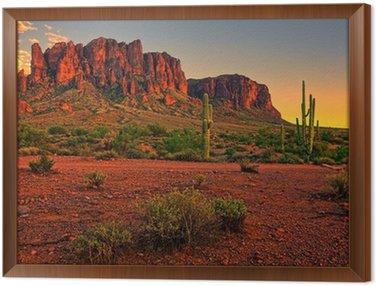 Tavla i Ram Öken solnedgång med berg nära Phoenix, Arizona, USA