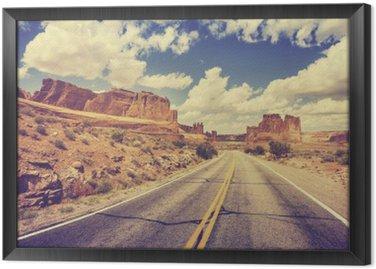 Tavla i Ram Retro stiliserad scen ökenväg, USA.