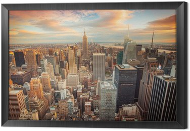 Tavla i Ram Solnedgång utsikt över New York City tittar över centrala Manhattan