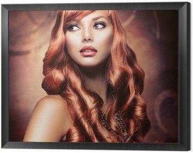 Tavla i Ram Vacker flicka med hälsosam långa röda hår