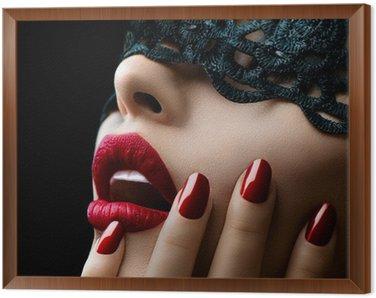 Tavla i Ram Vacker kvinna med svart spets mask över hennes ögon
