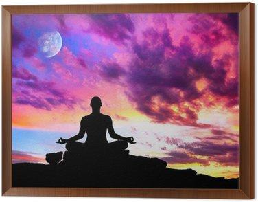 Tavla i Ram Yoga meditation silhuett pose