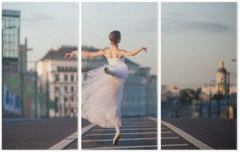 Triptychon Ballerina tanzt im Zentrum von Moskau am Morgen