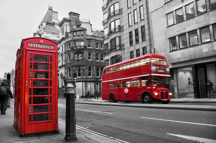 Tryptyk Czerwona budka telefoniczna i autobusów w Londynie (Wielka Brytania) - Style