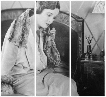 Tryptyk Młoda kobieta siedzi na łóżku w sypialni, mówiąc na telefon