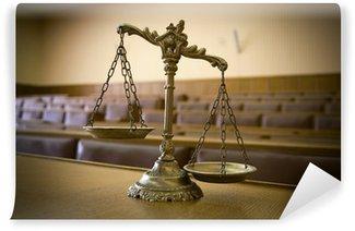 Tvättbar Fototapet Dekorativa Fjäll av rättvisa i rättssalen