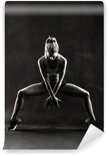 Tvättbar Fototapet Fitness kvinnlig kvinna med muskulös kropp, träning