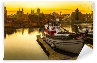 Gdansk - den historiske polske by ved solnedgang. Vaskbare Fototapet