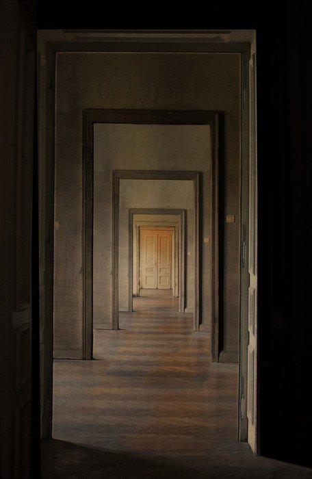 pixerstick para todas las superficies a puerta cerrada al final del pasillo rito de pasaje