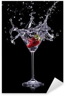 Pixerstick para Todas las Superficies Bebida de Martini sobre fondo oscuro