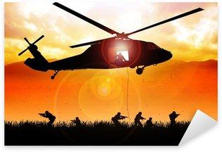 Vinilo Pixerstick Helicóptero está descendiendo a las tropas
