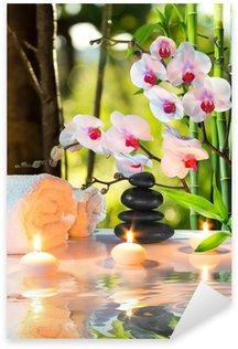 Pixerstick para Todas las Superficies La composición de spa masaje con velas, orquídeas, piedras en el jardín