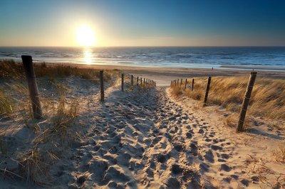 Pixerstick para Todas las Superficies Sol sobre ruta de acceso a la playa en el mar del Norte
