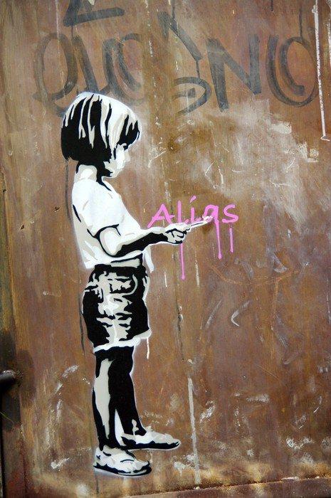 Wall Mural - Vinyl Fillette peinte sur un mur, Berlin, Allemagne. -