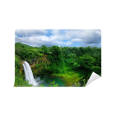 Lush Green Landscape Waterfall on the Hawaiian Islands ...