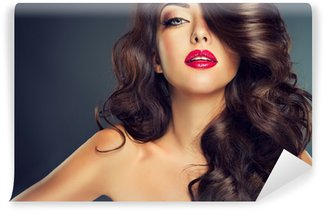 Model with beautiful curle hair