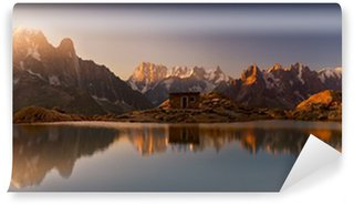 Vinyl Wall Mural Monte Bianco e Alpi riflesse nel Lago Bianco