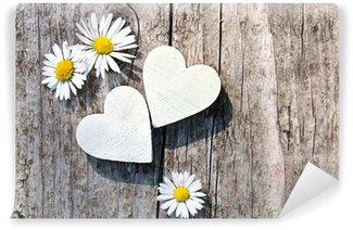 Zwei weiße Herzen & Gänseblümchen